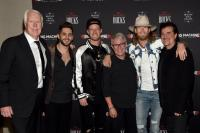 Thomas Rhett And FGL Claim Trophies At ACMs In Vegas