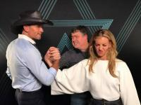 Tim And Faith Go Toe-To-Toe At Soul2Soul
