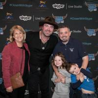 Lee Brice Hangs With KUPL/Portland