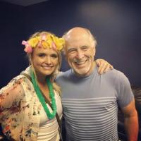 Miranda Lambert Joins Jimmy Buffet During Show