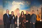 Emmylou Harris Celebrates Forthcoming Country Music Hall Of Fame Exhibit
