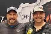 Garth Brooks Poses With KTHK/Idaho Falls, IA