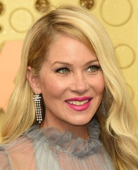christina-applegate-nov-25-50-2020-photo-kathy-hutchins---shutterstock.jpg